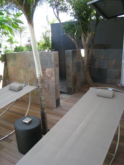palmiste blanc solarium et douche